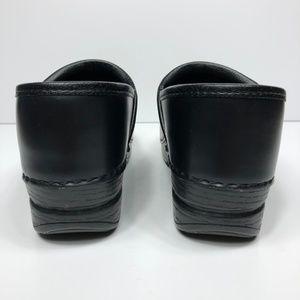 Dansko Shoes - Dansko Pro XP Leather Slip Resistant Comfort Clogs